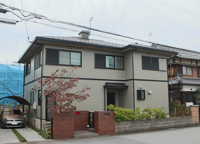 屋根:ウィザードコッパー 外壁:SC-24