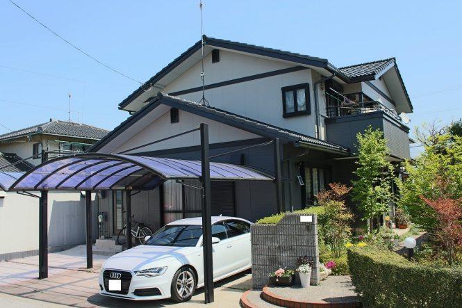 屋根:チャコール 外壁:(上段)バーチグレー (下段)スレートグレー